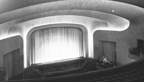 Het theater en de verlokking van de roman